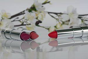 lipstick-1367775_1920