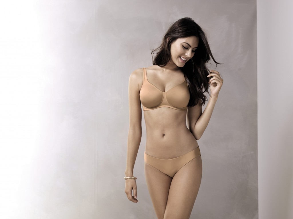 Soft and seamless tshirt bra without underwire in nude colour