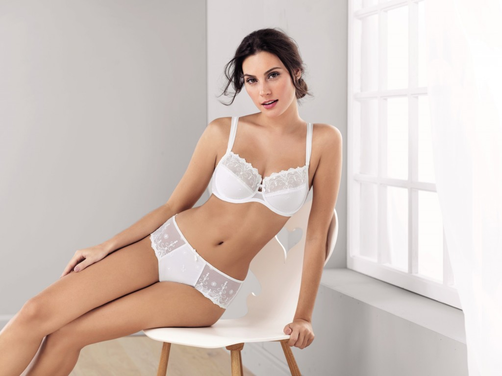 Beautiful underwire balconette bra Edelweiss from Rosa Faia the perfect wedding underwire with a push up effect