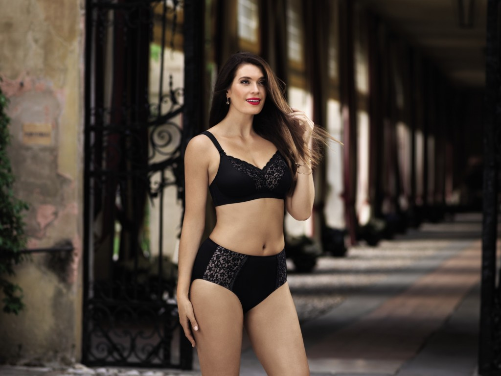 Beautiful lace bra in black from Anita comfort for curvy figure and plus size
