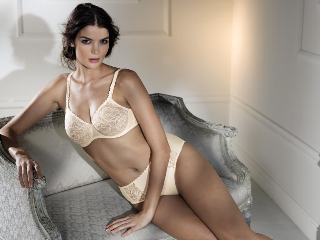 Nude seamless underwire bra from Rosa Faia
