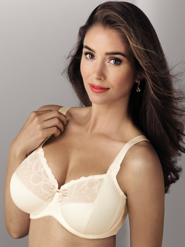 b6573f2e1e nude coloured bra from Rosa faia to support large breasts