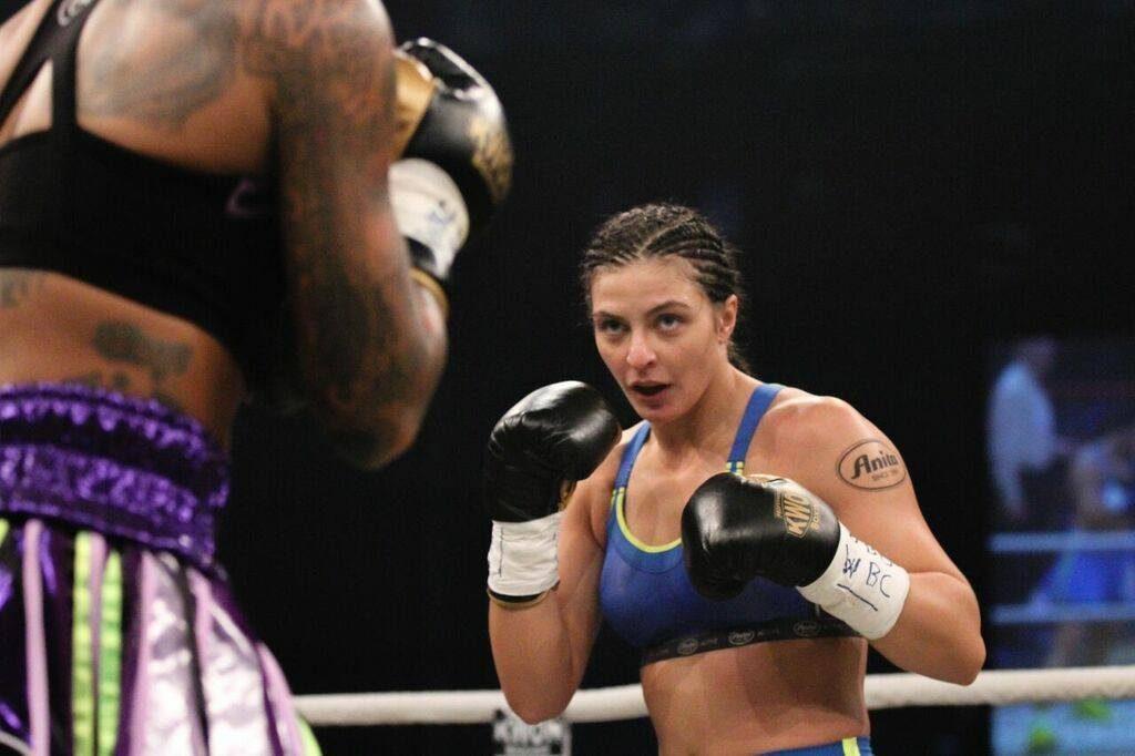 christina-hammer-fight-november-2