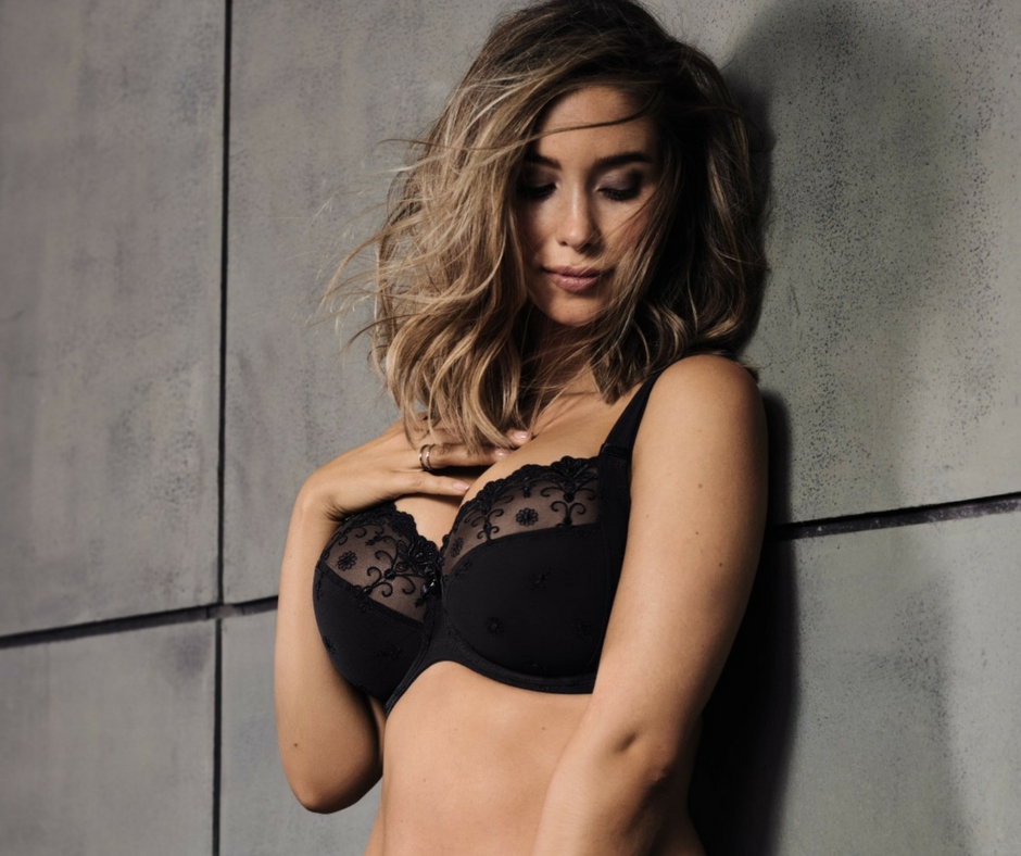 underwire bra with black lace from Rosa Faia